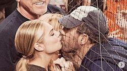 케이트 업튼이 '그물망 키스'를 하는 모습이