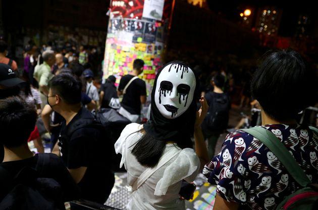 Νύχτα βίαιων διαδηλώσεων στο Χονγκ Κονγκ - Τα Ηνωμένα Έθνη ζητούν τη διεξαγωγή