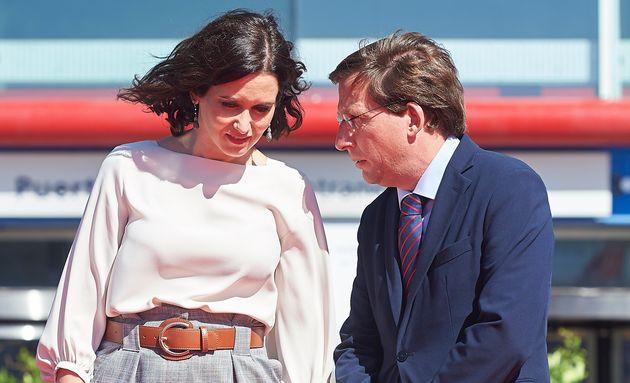 Imagen de archivo de Isabel Díaz Ayuso y José Luis Martínez
