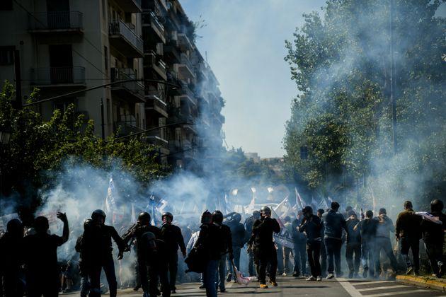 Επεισόδια στο κέντρο της Αθήνας κατά την διάρκεια της πορείας για την επίσκεψη