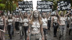 L'impressionnante mobilisation des Femen contre les féminicides au cimetière du
