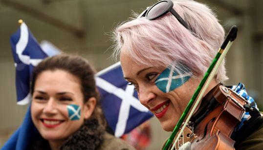 Μεγάλη διαδήλωση στο Εδιμβούργο με αίτημα την ανεξαρτησία της