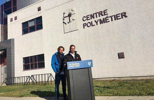 De gauche à droite: Sébastien Lemire, candidat dans Abitibi-Témiscamingue, et Yves-François...