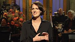 Phoebe Waller-Bridge Goes Full 'Fleabag' On 'Saturday Night