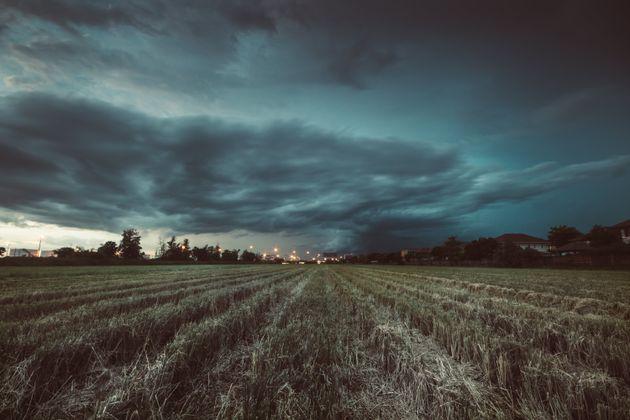 Έκτακτο δελτίο της ΕΜΥ - Επιδείνωση του καιρού με καταιγίδες και