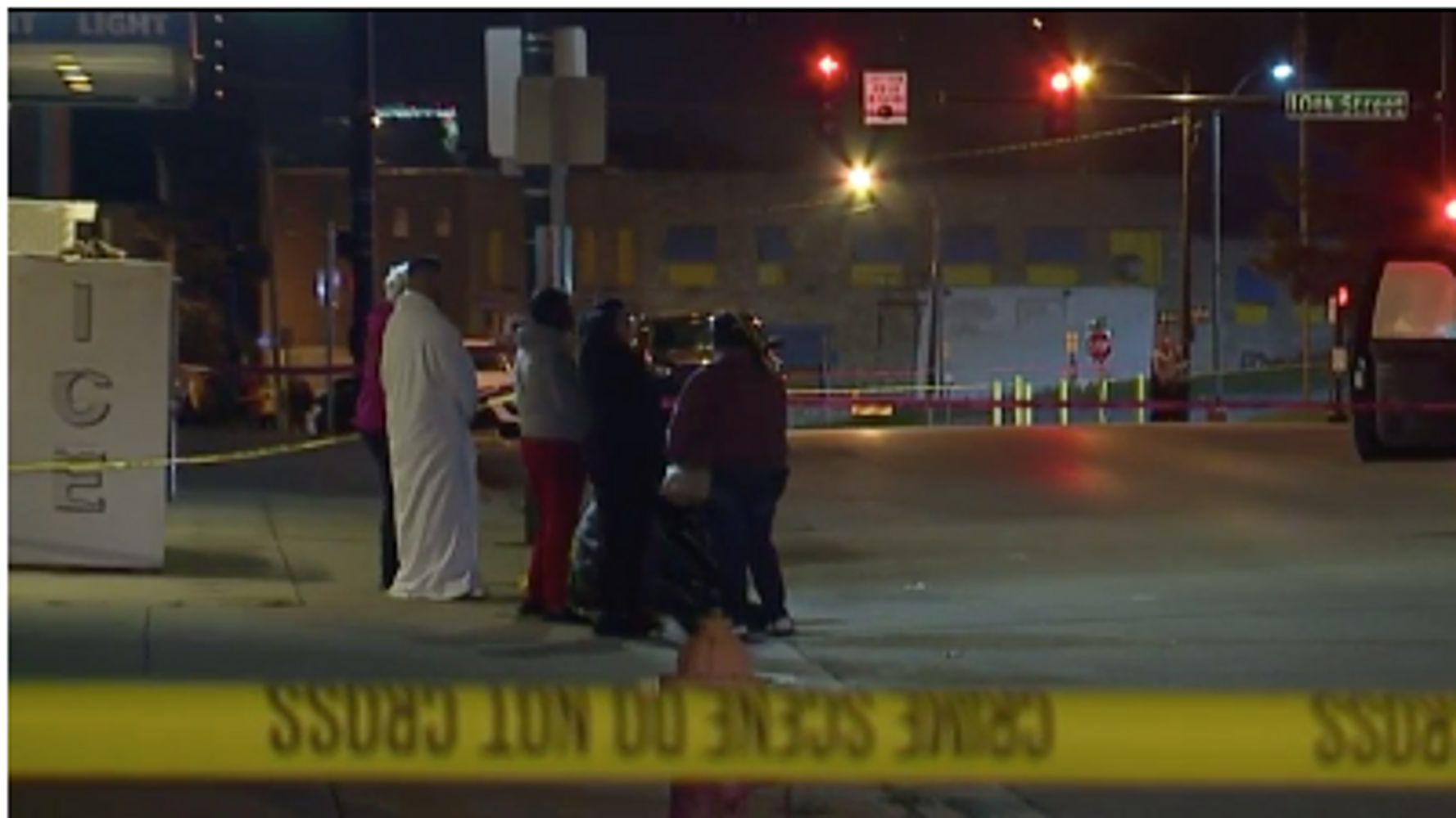 Westlake Legal Group 5d99df3e2100006601aab059 Kansas Bar Shooting Leaves 4 Dead, 5 Injured