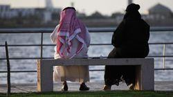 Sauditi aprono a coppie (straniere) non sposate in hotel e alle donne