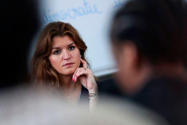 Schiappa (ici le 5 mars à Versailles) promet le milliard réclamé par les assos féministes...