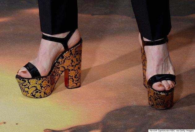 Denis O'Hare Rocks Platform Heels On 2016 Golden Globes Red