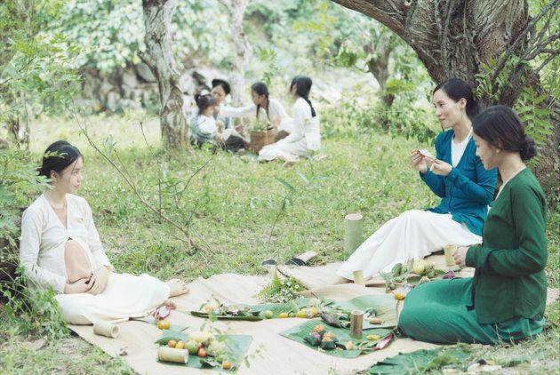映画『第三夫人と髪飾り』の美術監修を手掛けたのはトラン・アン・ユン(『青いパパイヤの香り』『夏至』監督)