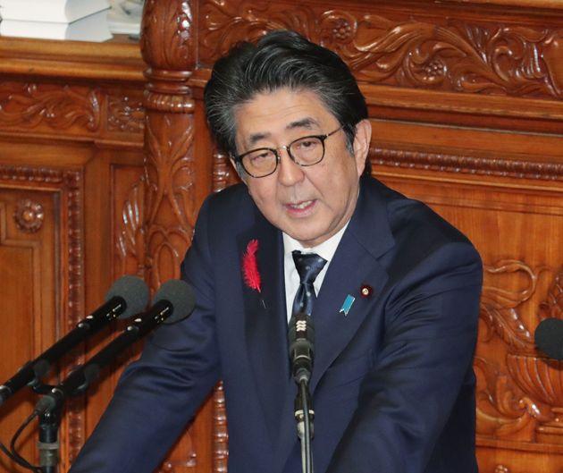 衆議院本会議で、立憲民主党の枝野幸男代表の代表質問に答える安倍晋三首相=7日、国会内