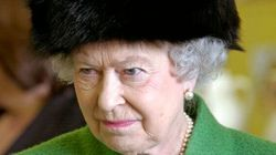 Elisabetta II e gli schiaffi (in pubblico) al nipote: