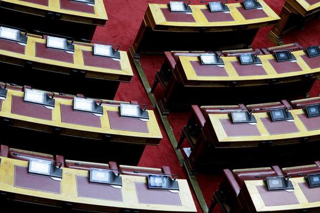Προϋπολογισμός 2020: Ανάπτυξης 2,8%, αύξηση των επενδύσεων κατά 13,4%, μείωση της ανεργίας στο
