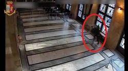 Il killer della Questura di Trieste in azione, ecco il video