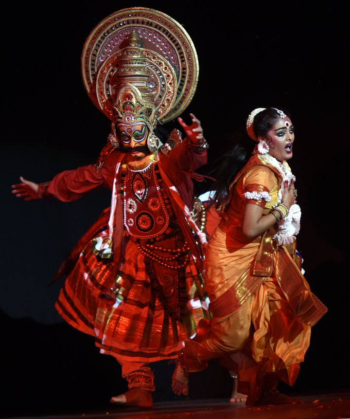 Artists enact a scene from Ramayana on the eve of Swayamvara Dance Dream 'Shri Ram' organised by Shri Ram Bharatiya Kala Kendra on September 28, 2017 in New Delhi.