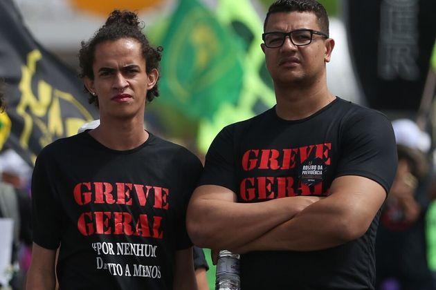 Protesto promovido pelas centrais sindicais contra as reformas trabalhista e da Previdência Social na...