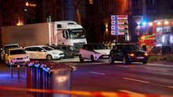 Γερμανία: 17 τραυματίες από φορτηγό που έπεσε πάνω σε αυτοκίνητα που περίμεναν σε