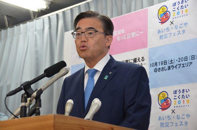 「表現の不自由展・その後」の再開について記者会見する大村秀章・愛知県知事=10月7日午後、愛知県庁