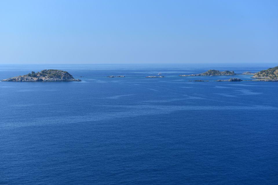 To νησάκι Karaca όπως διακρίνεται...