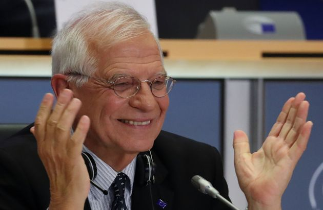 Josep Borrell, durante la defensa de su candidatura, ayer, en el Parlamento