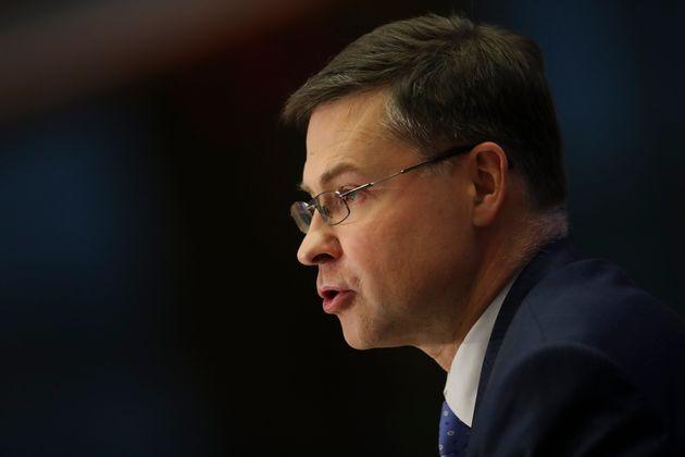 Le metamorfosi di Dombrovskis. Il falco ora parla di flessibilità e nuove