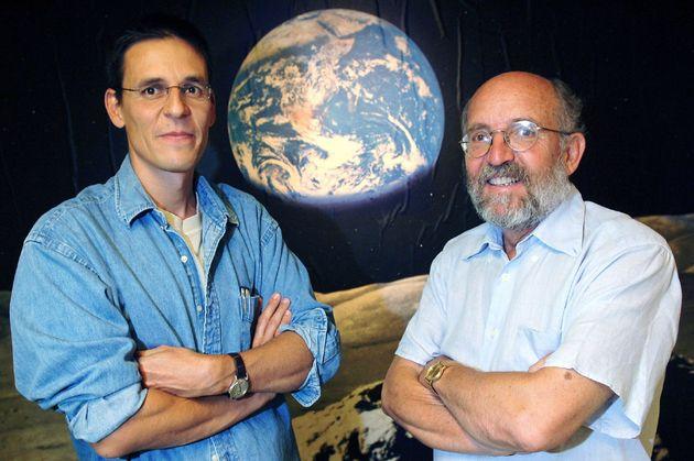 Michel Mayor (derecha) and Didier Queloz (izquierda), dos de los galardonados con el Premio Nobel de