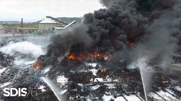12 jours après l'incendie qui a ravagé un entrepôt de l'usine Lubrizol à Rouen, l'enquête