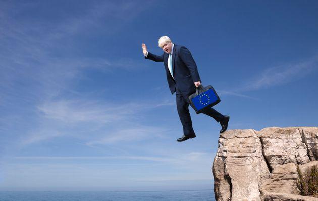 Boris Johnson, al borde del precipicio por su gestión del