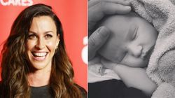 'We're Not Alone': Alanis Morissette Writes To Fellow Postpartum