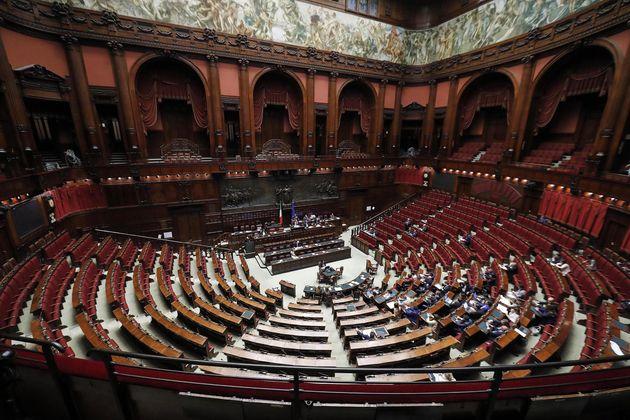 Meno parlamentari equivale a meno popolo nelle istituzioni