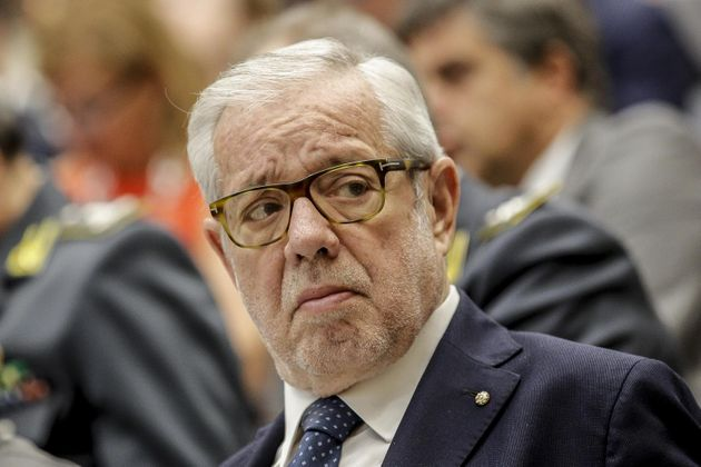 """Giovanni Maria Flick: """"Il vero responsabile dei furbetti è chi ha dato soldi a pioggia"""""""