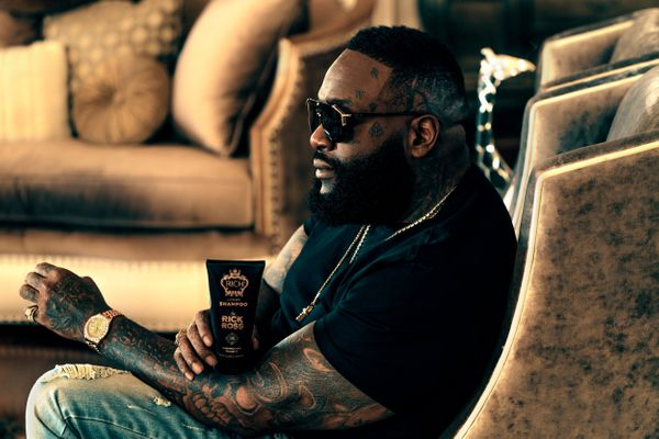 """Ah, rapper Rick Ross knows the art of subtle celebrity promotions. See how Mr. Ross holds his container of <a href=""""https://r"""