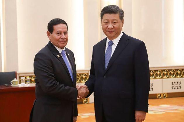Vice-Presidente, Hamilton Mourão, durante audiência com o Presidente da China, Xi Jinping,...