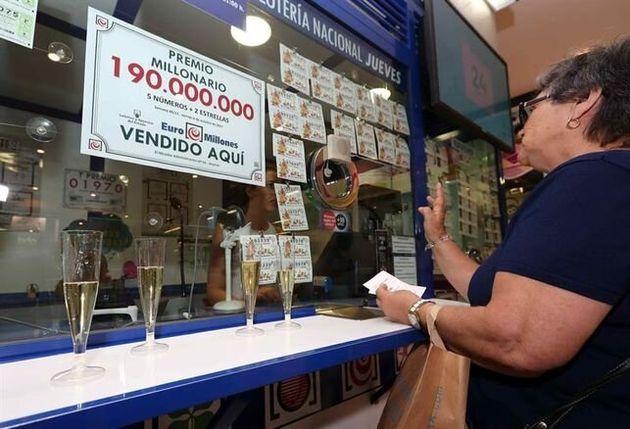El boleto acertante de El Millón ha sido validado en la Administración de Loterías número 1 de Los Llanos...