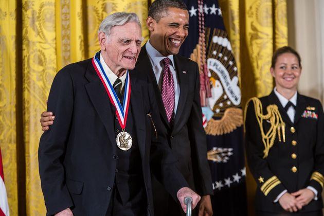 John Goodenough (ici en 2013 à la Maison Blanche) est le plus vieux chercheur à recevoir...