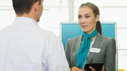 Τι μαθαίνουν οι αεροσυνοδοί για τους επιβάτες από τα