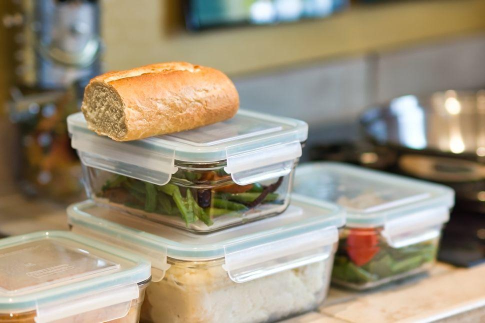 Συντήρησε σωστά τα φαγητά σου και μην τα καταναλώνεις μετά την ημερομηνία λήξης τους.