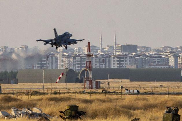 Τουρκικό μαχητικό αεροσκάφος...