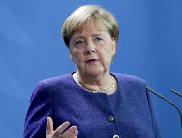 Après l'attaque d'une synagogue à Halle, Angela Merkel a dénoncé un