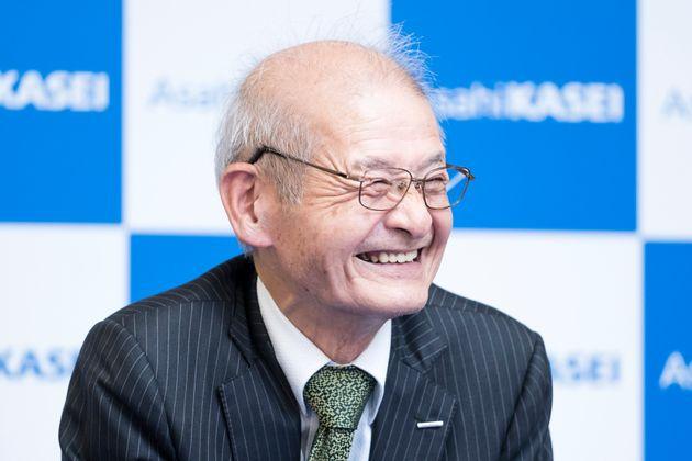 노벨 화학상 수상 이후 일본에서 기자회견을 하고 있는 요시노 아키라 명예