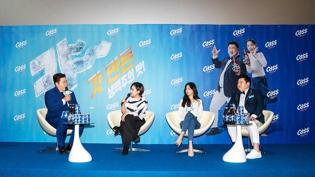 '카스 신규 CF 공개 기자간담회'에서 촬영 현장 에피소드를 말하고 있는 광고모델 김준현, 손나은, OB맥주 남은자