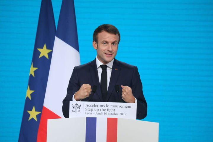 Emmanuel Macron à Lyon pendant le Fonds mondial de lutte contre le sida, la tuberculose et le paludisme.
