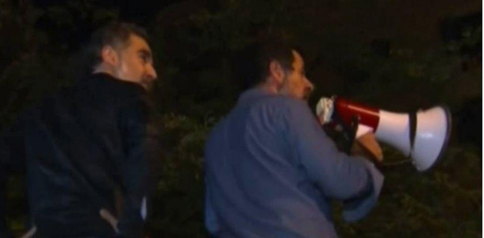 Los 'Jordis' encima del coche de la Guardia Civil, uno de los vídeos que se