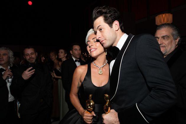 ΗLady Gaga και ο Μάρκ Ρόνσον στα Βραβεία Οσκαρ 2019.