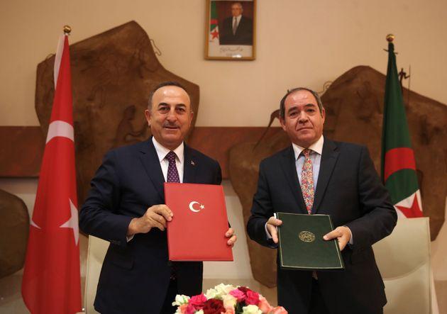 A Alger, le ministre turc des Affaires étrangères s'engage à trouver une solution à la question de