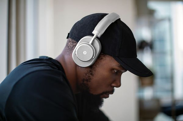 """Basketball star Kevin Durant makes me wonder. He's promoting these stylish&nbsp;<a href=""""https://www.masterdynamic.com/produc"""