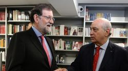 Rajoy pide a PP y PSOE pactar los