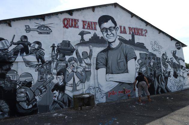 Une fresque murale à Nantes représentant Steve Maïa Caniço, disparu le soir de la Fête de la