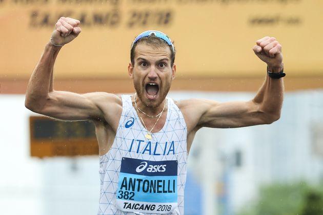 Dopo il coma, in 7 anni è diventato il primo marciatore d'Italia: