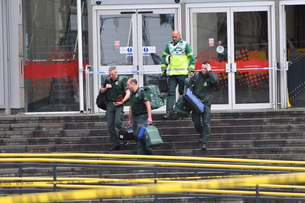 Επίθεση σε εμπορικό κέντρο του Μάντσεστερ με πέντε τραυματίες – Τι είπε αυτόπτης